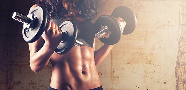 筋肉をつける運動をする