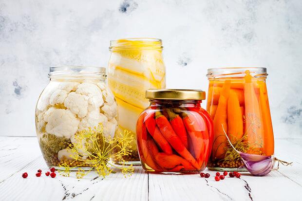 食べ物から酵素を摂っても、体内の酵素は増やせない!