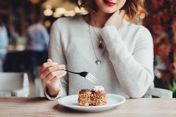 間食は太りたい人におすすめ!太る食べ物と時間帯とは?
